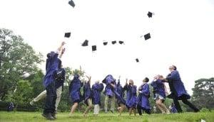 graduatehats-657140_640x367  Job Search Advice for New Grads graduatehats 657140 640x367 300x172